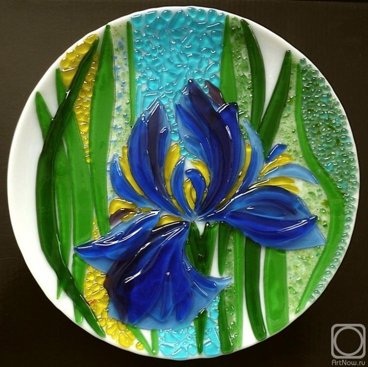 """Repina Elena. White dish for the holiday table, """"Blue toffees"""" glass fusing"""