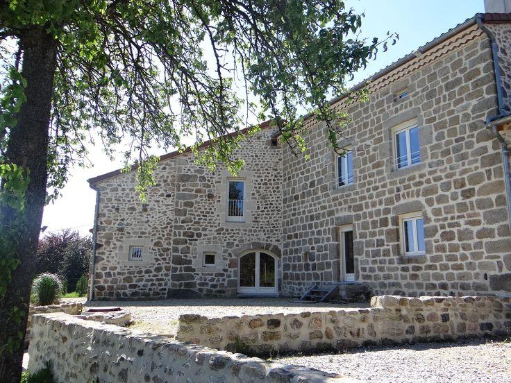 A la campagne, proche de Monistrol-sur-Loire, maison de vacances format XXL, entièrement rénovée et de très grand confort.