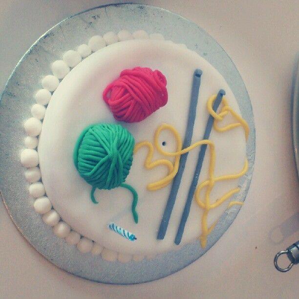 crochet themed cake!