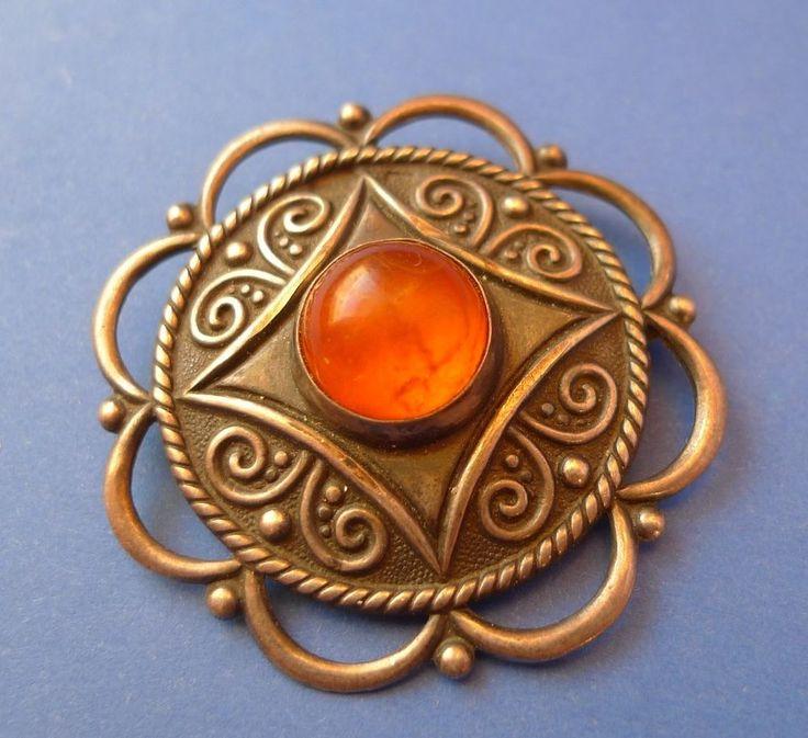 3b Vintage Latvian jewelry Honey Cognac Baltic Amber gems SILVER Brooch SAKTA 6g