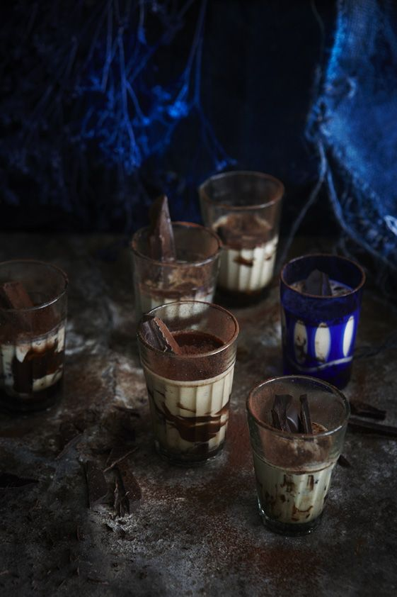 Chocolate Kahlua Shots from the Food Dept.: Shots Recipes, Food Recipes, Kahlua Chocolates, Recipes Desserts, Chocolates Recipes, Kahlua Shots, Chocolates Desserts, Chocolates Quick, Chocolates Shots