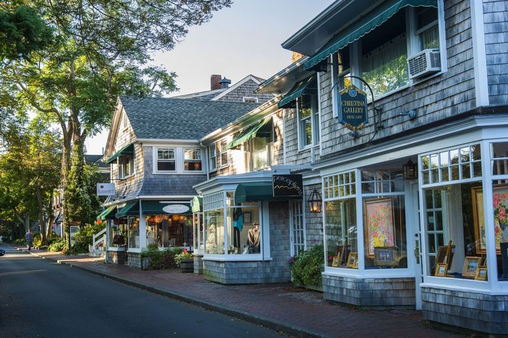 14 Photos That Prove Martha's Vineyard Is Straight Out Of A Children's Storybook  - TownandCountryMag.com