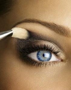 How to Create a Perfect Smokey Eye.