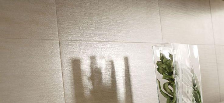 Szatén fényű, meleg és elegáns színeivel a Marazzi Cult a kőporcelán természetességét hangsúlyozza. Finom mintázatú, mely melegséget kölcsönöz és vonzóvá teszi a nagy terek számára. Nagy méretű, négyzet és téglalap alakú csempék, 4 féle színárnyalatban, beleértve az erős, tiszta feketét is. A fémszínű csempe csíkok teszik a Marazzi Cult kollekciót rendkívül sokoldalúvá és ideális megoldássá az egyedi kialakítású falakhoz és padlózatokhoz lakó-környezetekben és nyilvános helyiségekben.