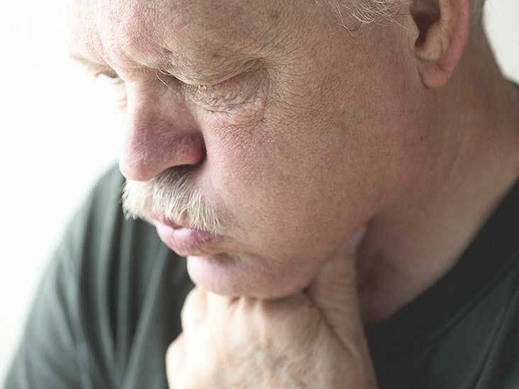Mold allergies can make life uncomfortable. Mold grows in moist areas and can trigger allergic reactions. Learn about the symptoms of mold allergies.