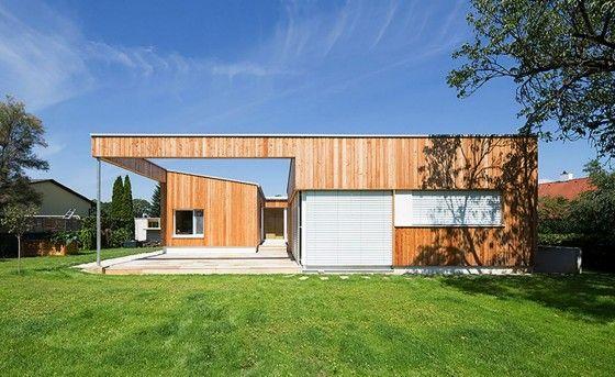 Fachada posterior de casa de madera