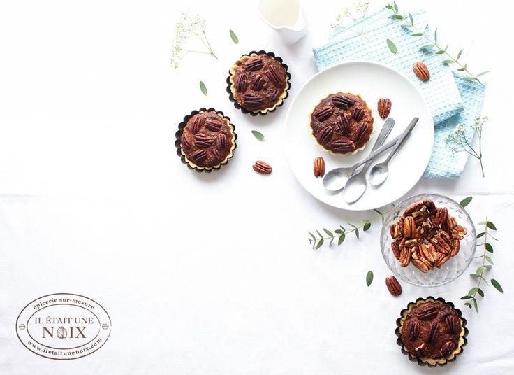 La tarte aux noix de pécan, pâtisserie traditionnelle des fêtes de fin d'année américaine est tout aussi agréable à déguster toute l'année ! Nous, on a craqué et c'est au soleil qu'on l'a dégustée…  Et en version vegan s'il vous plait ! #iletaitunenoix