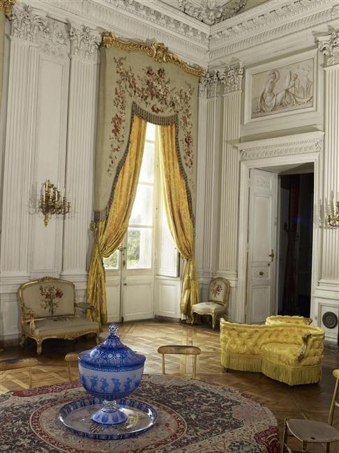 (Stato restituito: Secondo Impero) Palazzo di Compiegne, Camera familiare   French Interiors ...