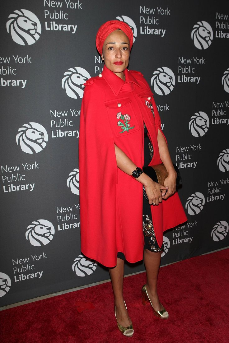 zadie smith white teeth Zadie smith frsl (born 25 october 1975) is a contemporary british novelist, essayist, and short-story writer her début novel, white teeth (2000), immediately became a best-seller and won a number of awards.