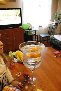 Ania mama Agnieszki: Dlaczego nieobrana pomarańcza nie tonie?