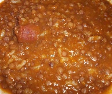 Pero mirad qué aspecto tienen las lentejas con chorizo. http://casakatybilbao.blogspot.com.es/2013/04/receta-de-lentejas-con-chorizo.html