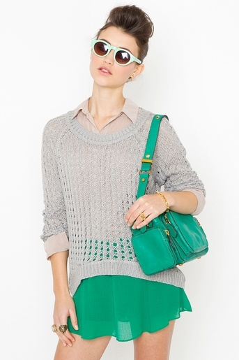 Love flowy and casual this looks and the green is gorgeous!