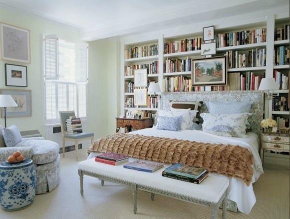 Jeffrey Bilhuber bookshelf bedroom