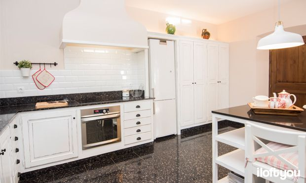#proyectomasnou #iloftyou #interiordesign #ikea #platjadaro #girona #costabrava #lowcost #masiacatalana #catalunya #kitchen #ranarp #fintorp #decape #metrotiles #baldosametro #ingolf