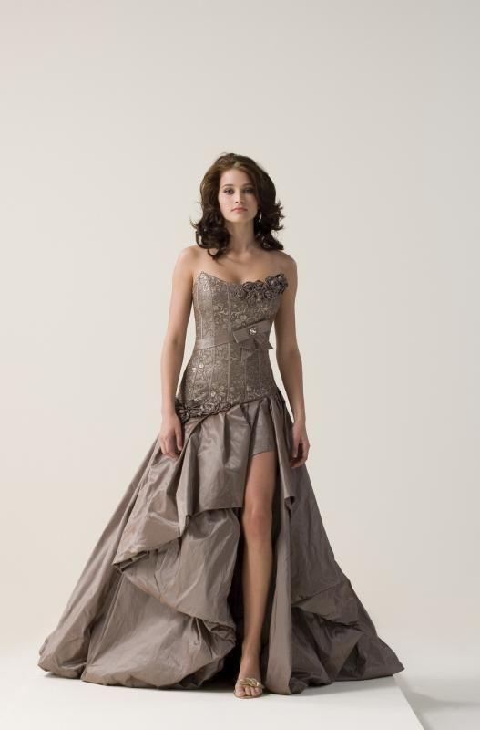 Igen Szalon Modeca wedding dress -M95120 #igenszalon #Modeca #weddingdress #bridalgown #eskuvoiruha #menyasszonyiruha #eskuvo #menyasszony #Budapest