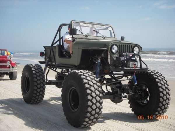Jeep cj7 beach cruise