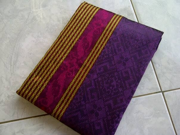 Jual Tenun Baron Ungu dan Pink Harga yang kami berikan sangatlah terjangkau :  HP : 0822-2777-0246 PIN : 749D3643 http://tenunbaronjepara.blogspot.com/