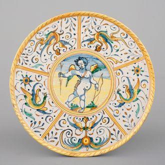 Een tazza in majolica uit Deruta, 17e eeuw