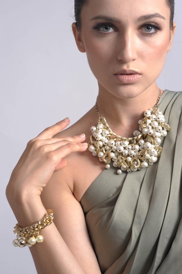 Gold & a Chignon - Alalia Necklace