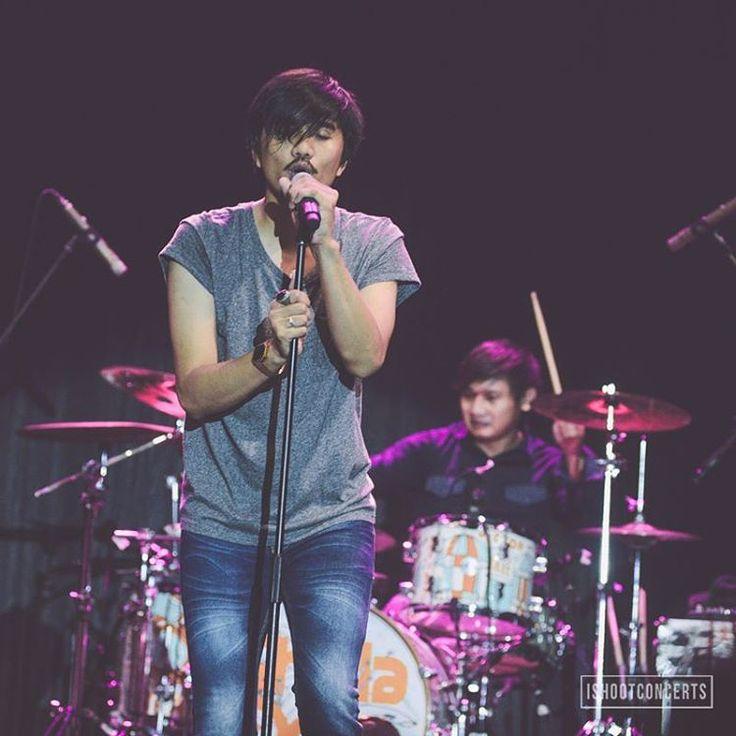 """mas duta @sheilaon7 di konser #kcmi2015 tadi malam #sheilaon7 #cintamusikindonesia #instastageid #vscocam #ishootconcerts"""