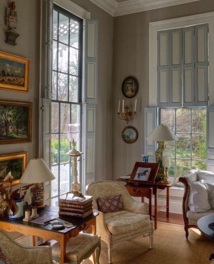 Southern Designer Of Country Interiors In English Style Living Room Home Elegant Understated Luxe Layers