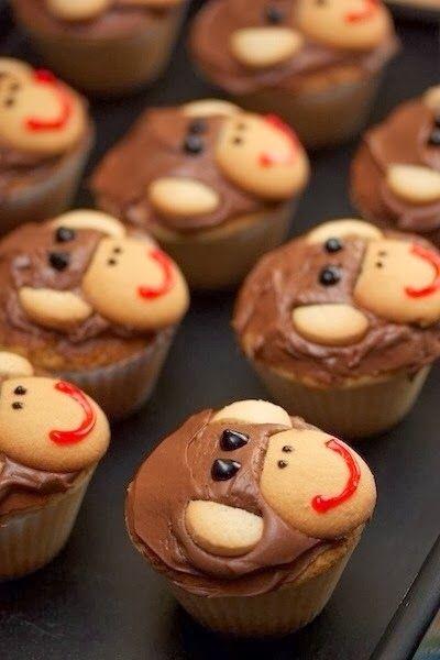 Una de las cosas que más le gustan a los niños es jugar con figuras de animales. Cuando eran pequeños mis hijos le encargaba en la pastele...