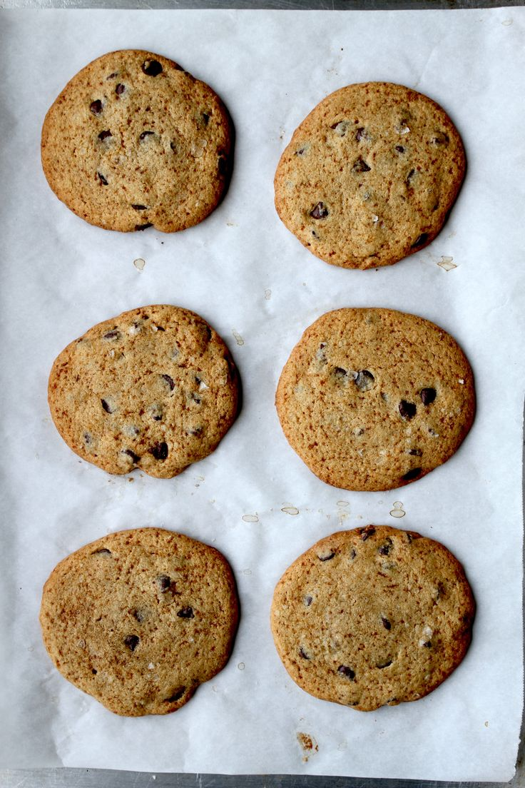 Paleo Salted Brown Butter Chocolate Chip Cookies - zenbelly