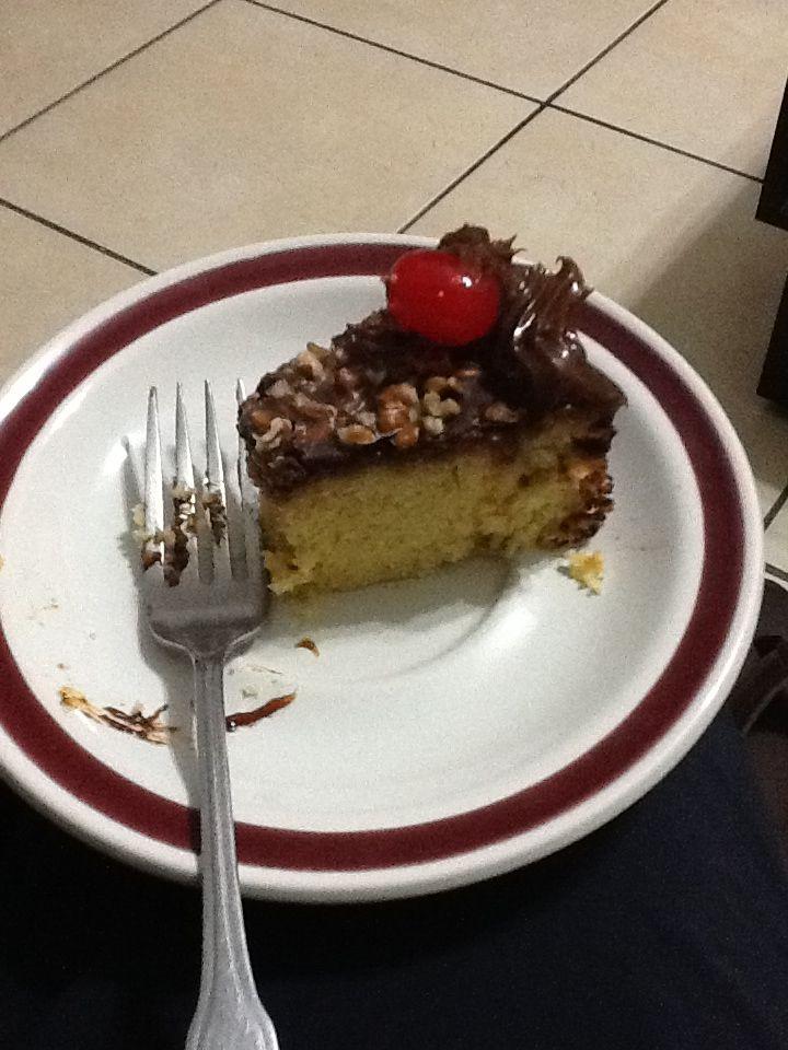 Pastel de vainilla con chocolate y cajeta :)