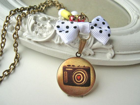 Collier pendentif appareil photo mon amour par DinaFragola sur Etsy, $28.50
