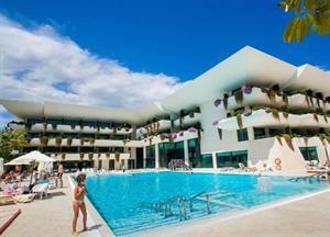 Spanje Costa Blanca Benidorm  Hotel Deloix Aqua Center is een luxueus hotel met een rustige ligging aan de rand van Benidorm. Het 4-sterren hotel beschikt over een spa dat is uitgerust met o.a. een binnenzwembad sauna Turks...  EUR 410.00  Meer informatie  #vakantie http://vakantienaar.eu - http://facebook.com/vakantienaar.eu - https://start.me/p/VRobeo/vakantie-pagina