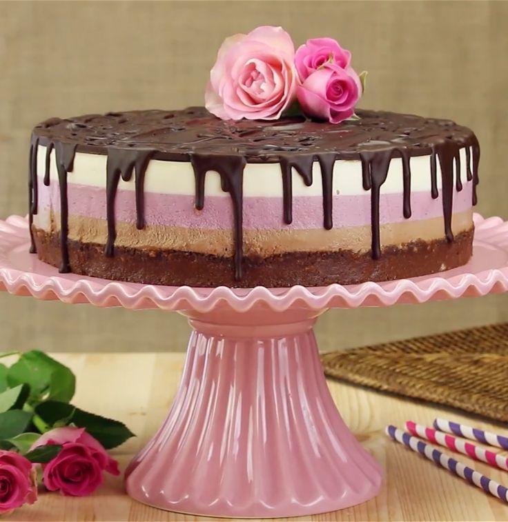 3 camadas, 3 cores, 3 sabores: torta de morango e Nutella.