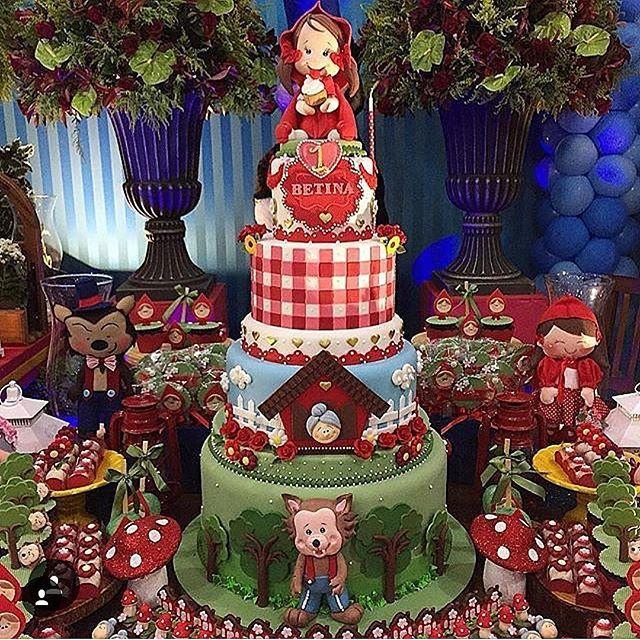 #mulpix Eu piro nos posts da @srafesta, sempre com inspirações lindas para os mais diversos tipos de festas. E cono eu amo a Chapeuzinho Vermelho, não poderia deixar passar em branco esse bolo deuso! ️ ------------------------------------------- By Felipe Oliveira Official #bride #bridetobe #bridetobride #bridetobelux #bolo #cake #festainfantik #bolo #decor #decoração #detalhes #details #chapeuzinhovermelho #kids #child #criança #borntobeabride #b2bb