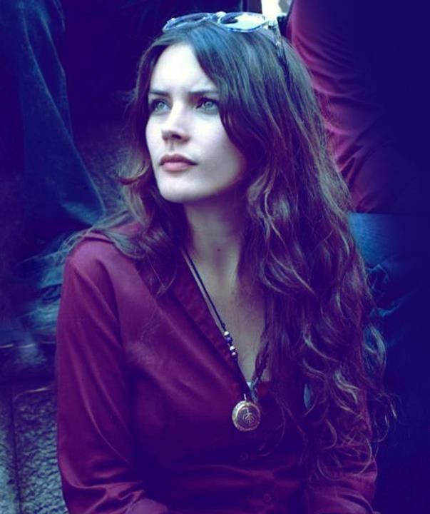 Camila Vallejo - La miro y se me olvida las cosas tontas que pueda decir.