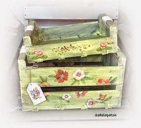 Para dar y tomar! Qué contenta estoy con mis cajas de frutas recicladas! Bueno, mis no, porque ninguna de estas cajas son para mi. Le...