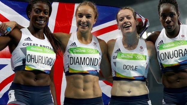 Great Britain's women Christine Ohuruogu, Emily Diamond, Eilidh Doyle and Anyika Anoura claim bronze in the 4x400m relay to win the country's 66th…
