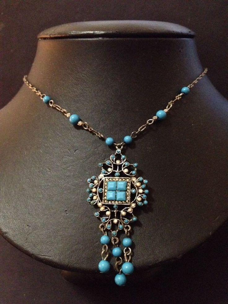 Estate Find - Vintage Blue and Cream Necklace - Excellent Condition