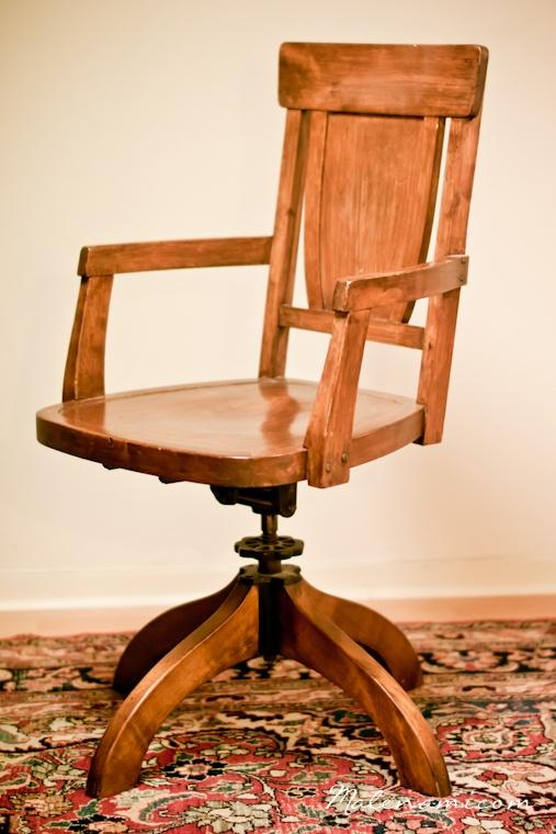 gammal hederlig skrivbordsstol (Billnäs)