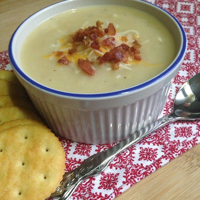 Creamy potato and cheese soup | Drizzle Me Skinny!