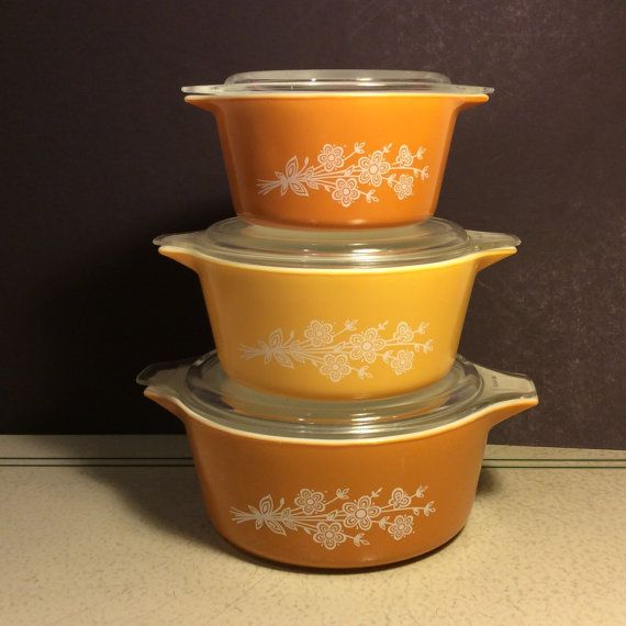 Set of 3 Pyrex Casserole Dishes with 3 Lids.  by SparklyLark