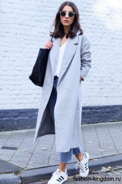 кроссовки и длинное пальто - Поиск в Google