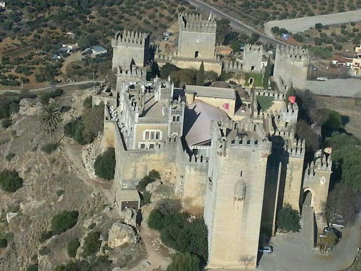 Más fotos aéreas del Castillo de Almodóvar, Almodóvar del Río, Córdoba, España #spain #castles