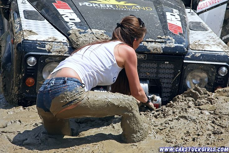 2_defender_girls_stuck_in_mud_013 - US Trailer can sell used trailers in any condition to or from you. Contact USTrailer and let us rent your trailer. Click to http://USTrailer.com or Call 816-795-8484