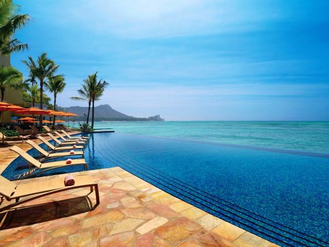 Infinity Pool of Sheraton Waikiki, Oahu, Hawaii w/ view of Diamond Head!     ハワイ オアフ島 シェラトン・ワイキキ・ホテルのインフィニティプール