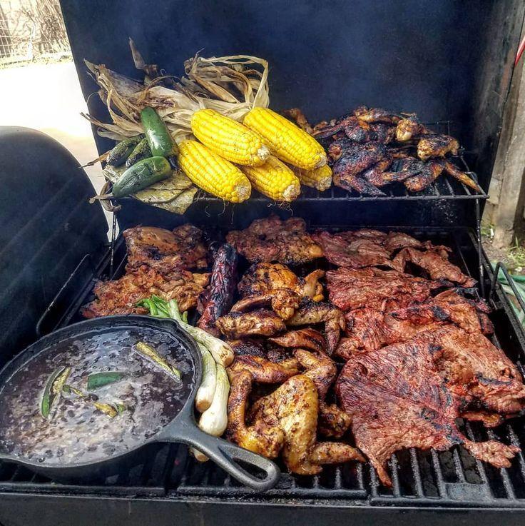 #Superbowl Asada?  or MENU: Carne Asada Wings pollo asado corn nopales beans chiles and cebollitas? ..  Tag your Friends  . Follow Us on Instagram: @_elgordoo Likeus on Facebook: elGordooo1 Addus On Snapchat: Gordoofficial . . #dailyfoodfeed #buzzfeeedfood #foodpics #nomnom #eatstagram #infatuation #hungry #jktfoodbang #steak #crab #nonmnomnom #grilling #foodlovers #foodenvy #kerang #kiloan #mexicanfood #fresh #enchiladas #pozole #chargriller #carneasada #recipevideo #instagram #instagood…