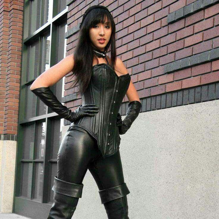 chinese dominatrix