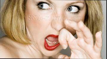Если неприятный запах пота мешает нормально существовать ищите его причину