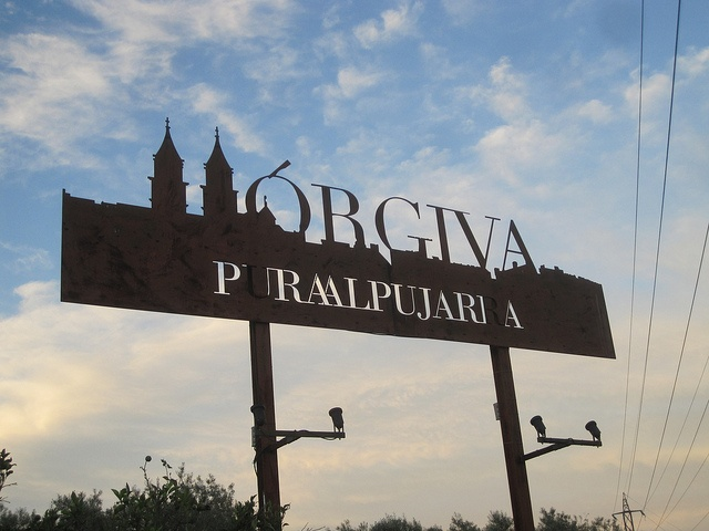 Orgiva sign via @Font Picker