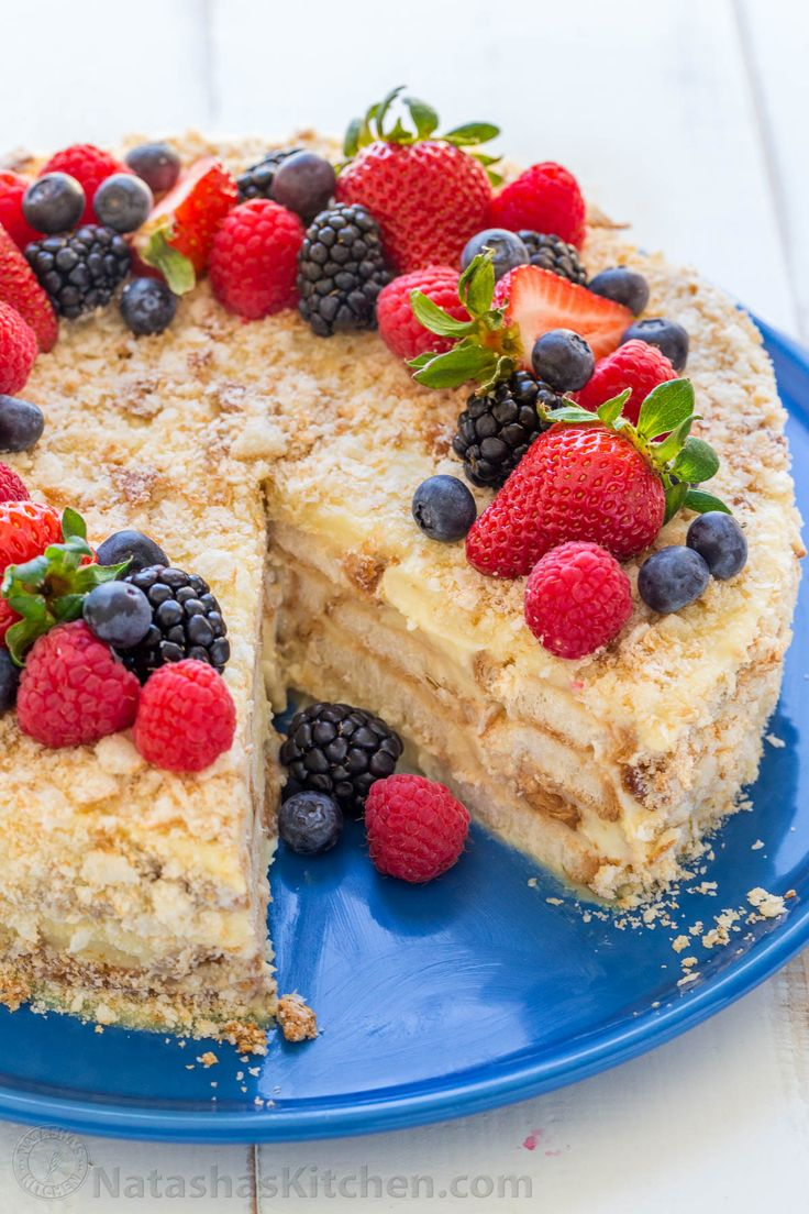 An easy, no-bake Napoleon Cake with the same great flavors of a classic napoleon cake. The layers soften under custard cream making it irresistibly soft! | natashaskitchen.com