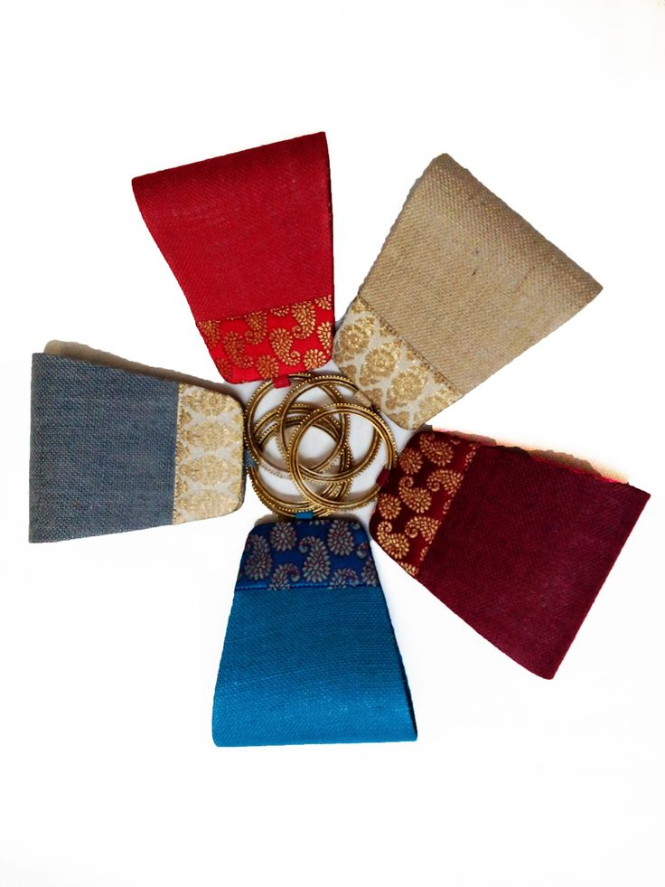 An environment friendly jute bangle clutch for all stylish women who really care for the mother earth