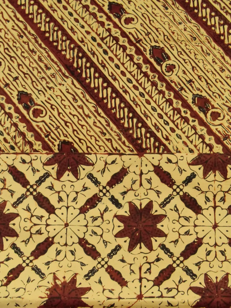 the motif of the top cloth is called Udan Liris or Misty Rain... handstamped batik on cotton from Solo, Central Java